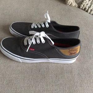 Levi's canvas shoes